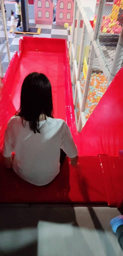 学姐对滑滑梯的恐惧🤣🤣